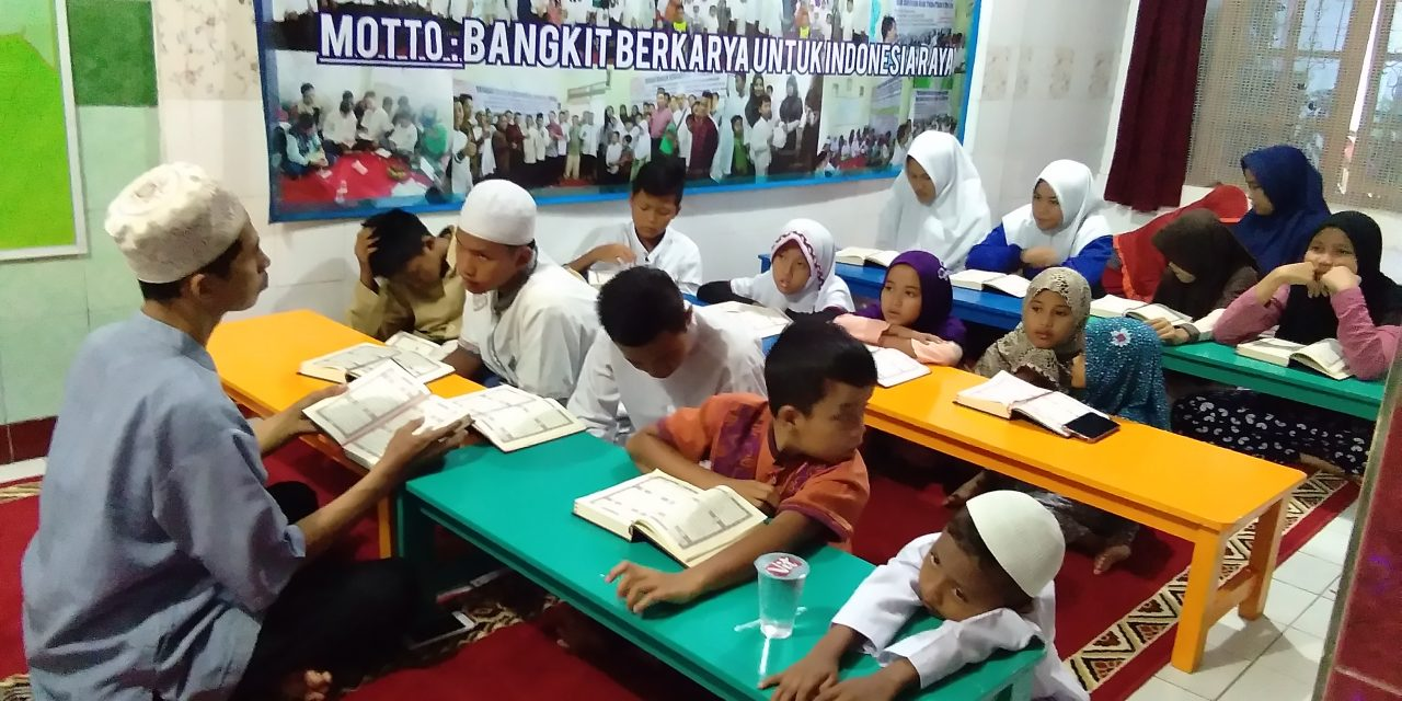 Program pendidikan yayasan yatim piatu