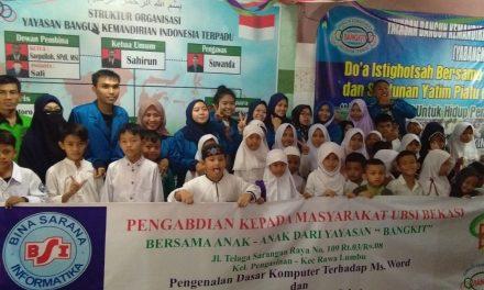 Mahasiswa mengedukasi yatim yabangkit